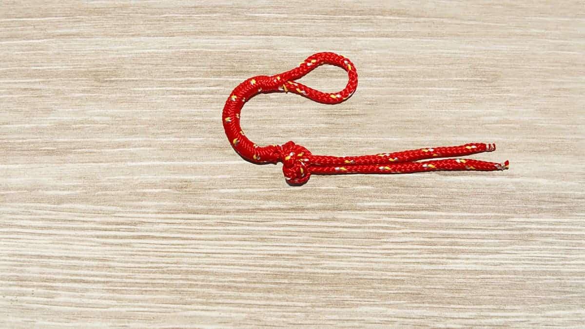 Soft Shackle Knot Step 17