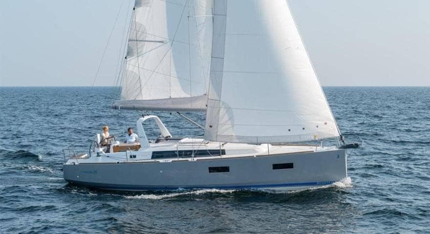 Beneteau Oceanis 38 Weekender