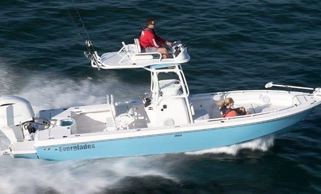 Everglades 243 CC Bay Boat
